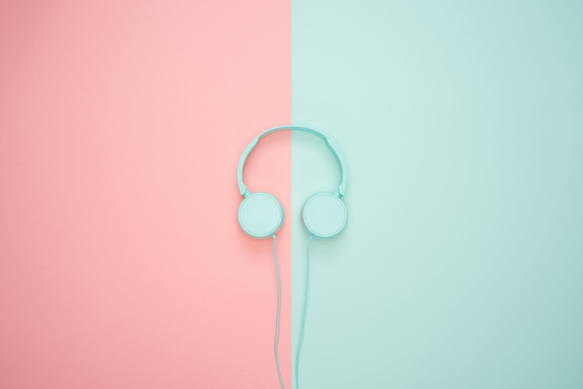 headphones minimal